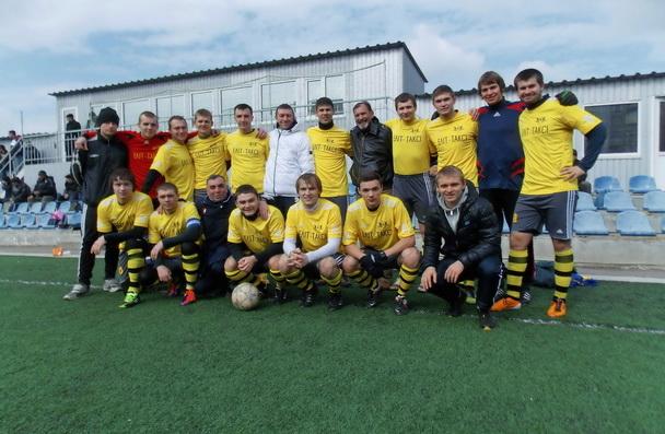 Команда херсонцев играют в Николаеве